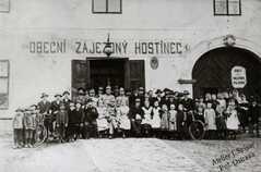 Obecní zájezdný hostinec v roce 1919